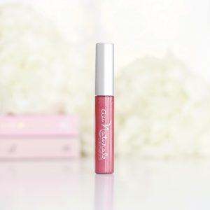 Au Naturale Lipgloss in Passion Fruit